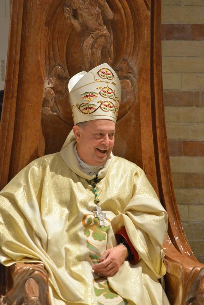 vescovo oscar cantoni Como